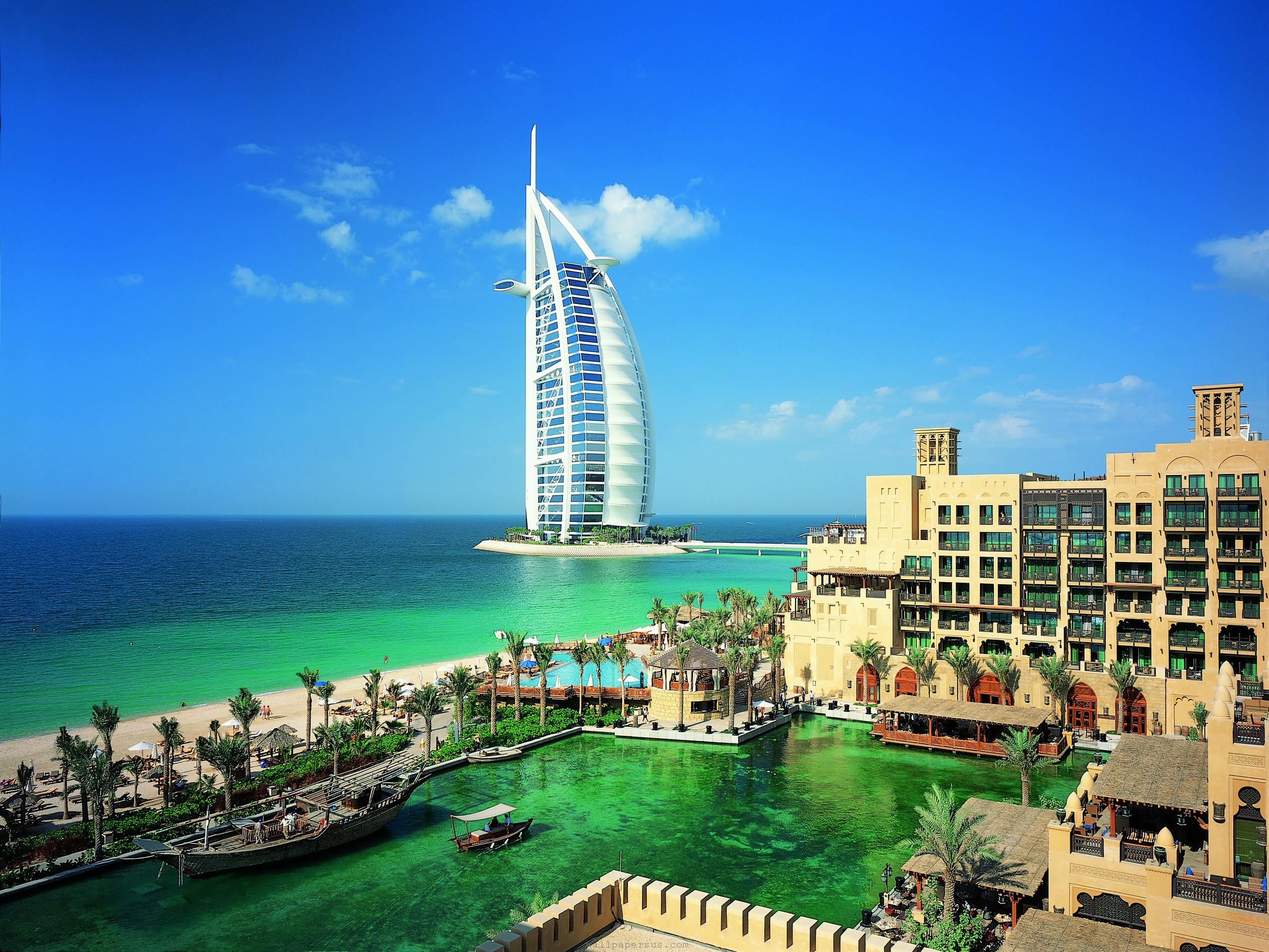 Зарплата в Дубае