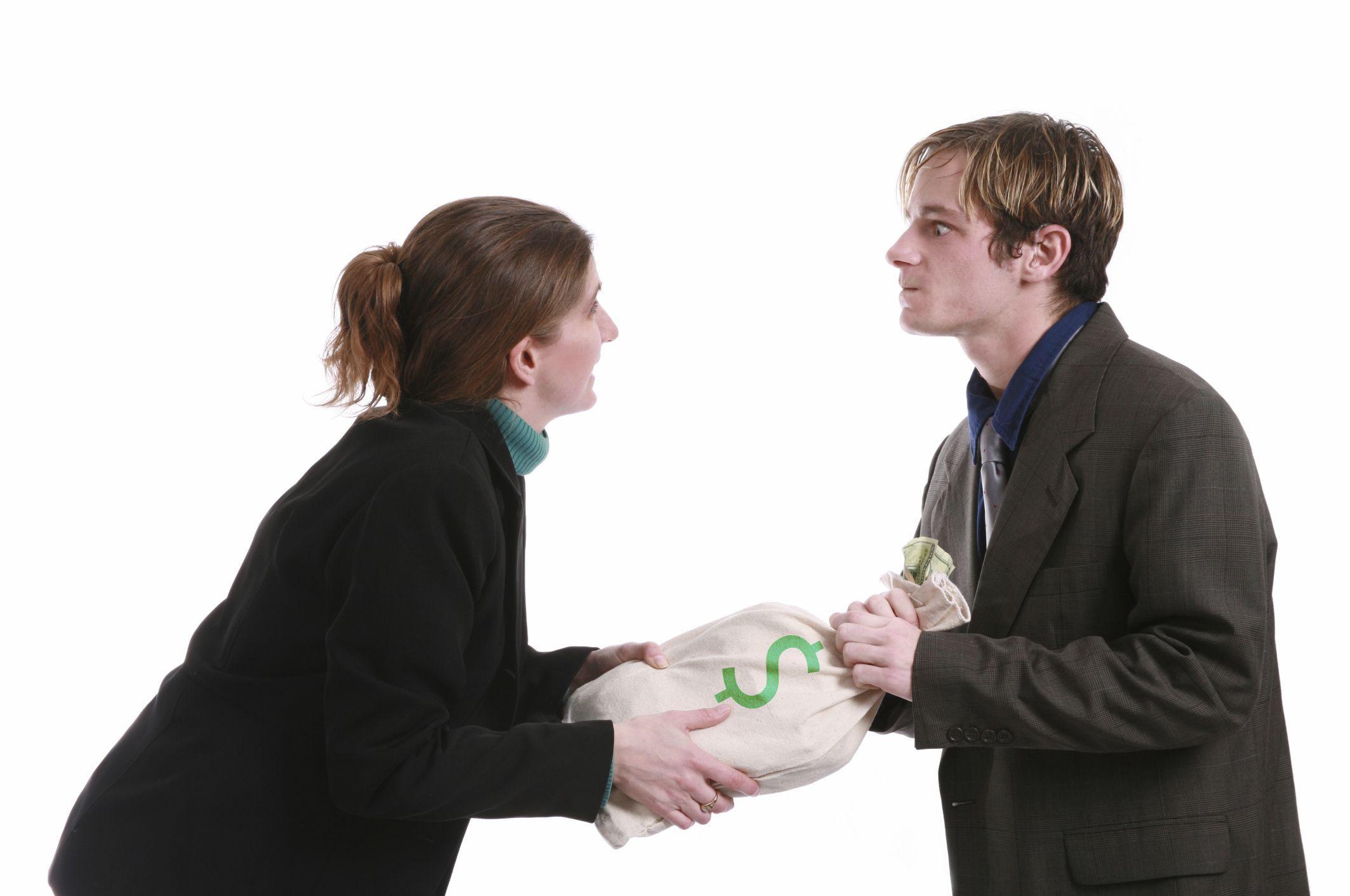 Удержание из заработной платы излишне выплаченных сумм