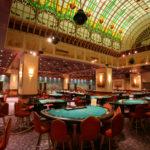 Работа несовершеннолетних в казино официально запрещена