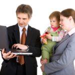Мать одиночку нельзя увольнять даже после окончания отпуска по уходу за ребенком