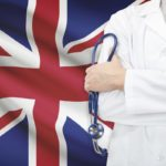 Самая большая заработная плата среди наемных рабочих в Англии у врачей