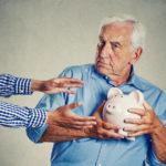 О возможности снятия накопительной части пенсии до выхода на пенсию
