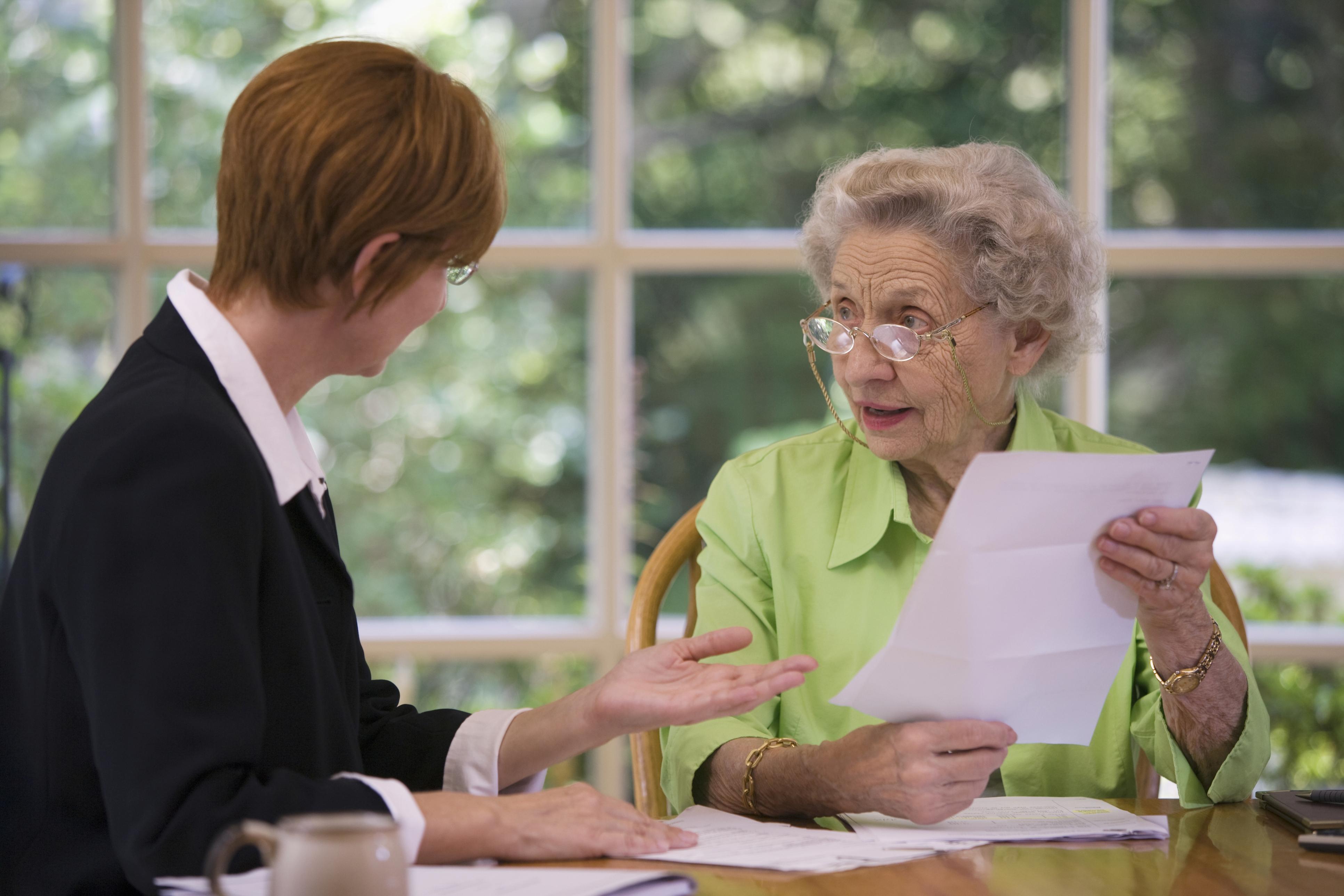 Можно ли получать пенсию мужа после его смерти вместо своей
